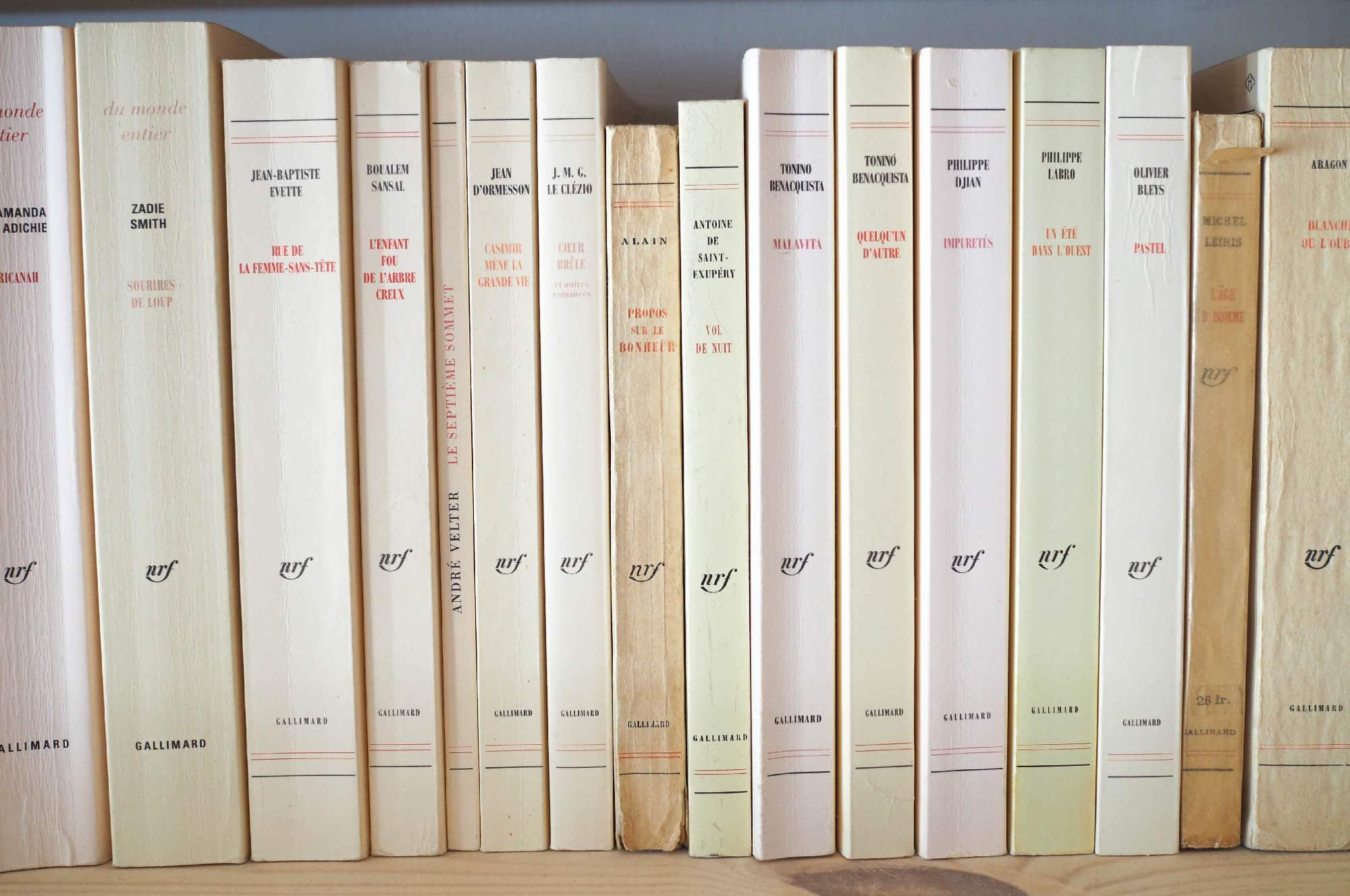 Détour par les livres